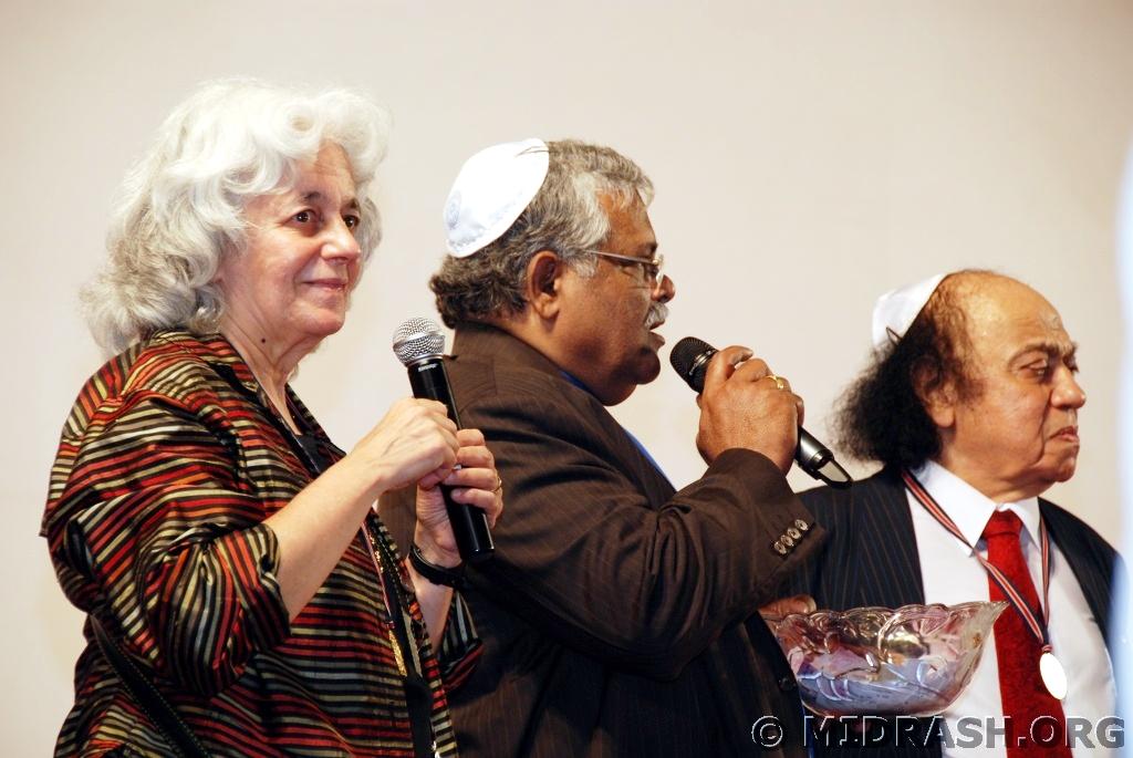 Dr Sara Manasseh selects raffles