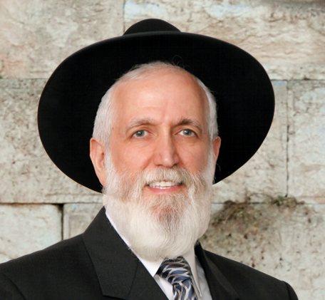 Rabbi Ya'aqob Menashe (Hacham, Rabbi Yaakob Menashe) at the kotel